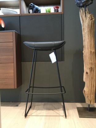 freifrau barhocker kya designerm bel d ren. Black Bedroom Furniture Sets. Home Design Ideas