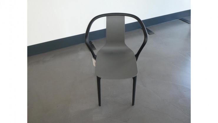 Hersteller: Vitra ; Stuhl : Belleville  mit Armlehnen