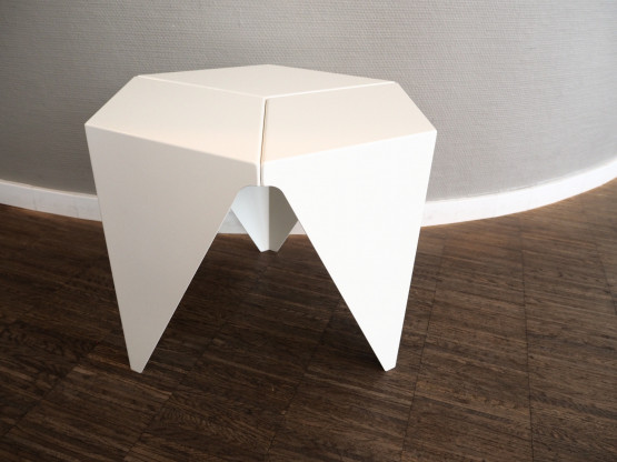 VITRA Prismatic Table Metall weiß