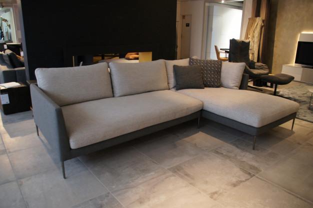 COR Sofa PILOTIS, Stoff grau