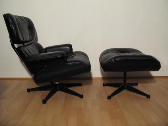 Vitra Lounge Chairs mit Ottoman von...