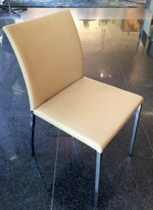 Stuhl Babette M von Naos
