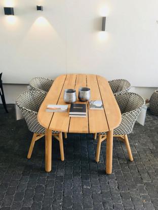 Tischgruppe Mbrace von Dedon.
