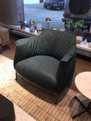 Poltrona Frau - Sessel Archibald - Fb. denim | Designermöbel Pforzheim