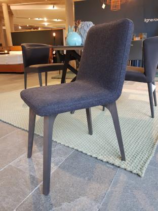 2 Stück Vik Stühle von ligne roset