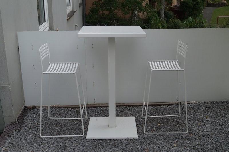 Stehtisch Round | Designermöbel Kassel