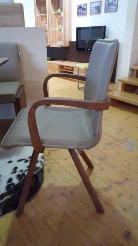 Voglauer stuhl v loft in wildnuss und leder stone mit for Stuhl mit armlehne leder