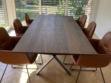 LAX Tisch von More, Räuchereiche