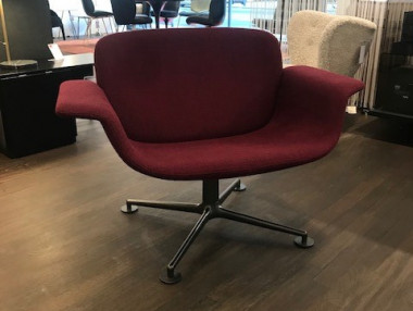KN01 Lounge Drehsessel von Knoll by Piero Lissoni