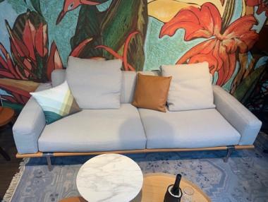 Let it be Sofa, 2Sitzer von Poltrona Frau