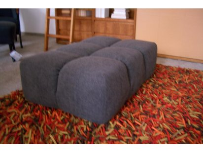 Sofa tufty time mit hocker von b b italia designerm bel for Couch regensburg