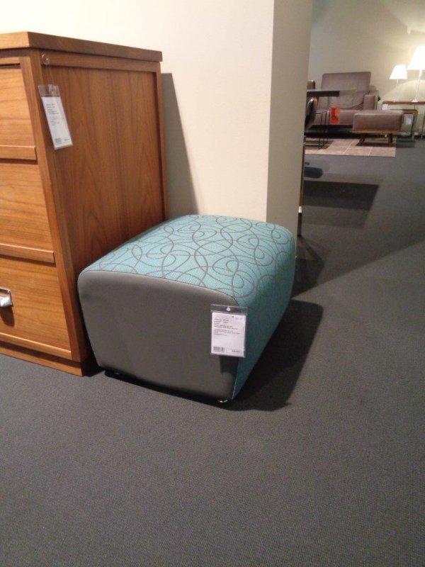 sessel scylla hocker leolux designerm bel berlin. Black Bedroom Furniture Sets. Home Design Ideas