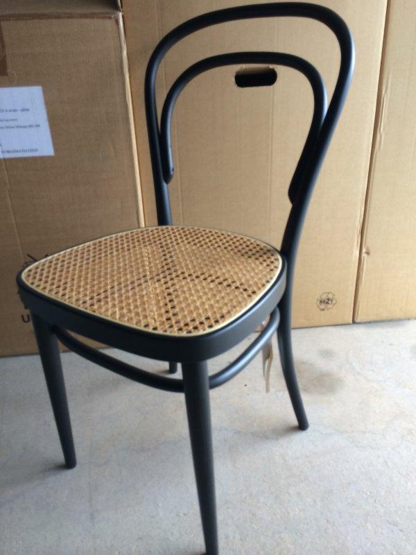 thonet stuhl 214 schwarz von thonet designerm bel mainz. Black Bedroom Furniture Sets. Home Design Ideas