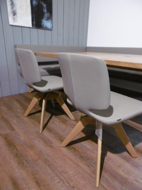 team 7 stuhl aye mit drehgestell in eiche bezug leder. Black Bedroom Furniture Sets. Home Design Ideas