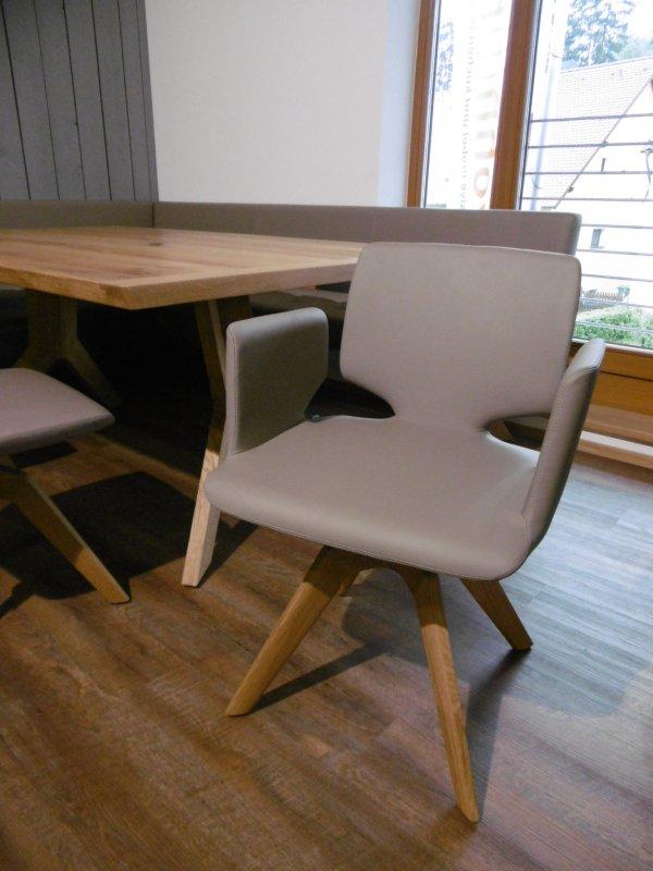 team 7 stuhl aye mit drehgestell in eiche leder taupe von. Black Bedroom Furniture Sets. Home Design Ideas