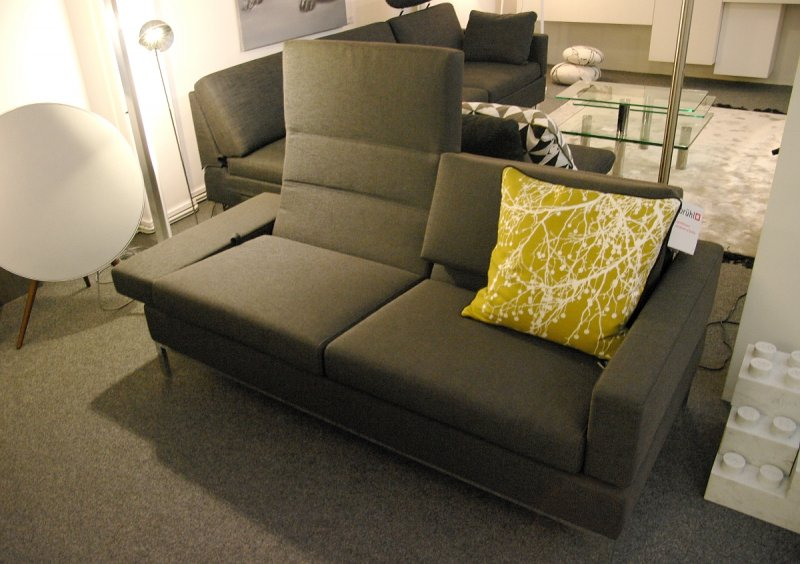 br hl sofa tomo 2 5sitzig stoff bezogen von br hl sippold designerm bel ratingen. Black Bedroom Furniture Sets. Home Design Ideas